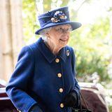 Windsor RTK: Queen Elizabeth lächelt trotz Gehstock bei ihrem Termin