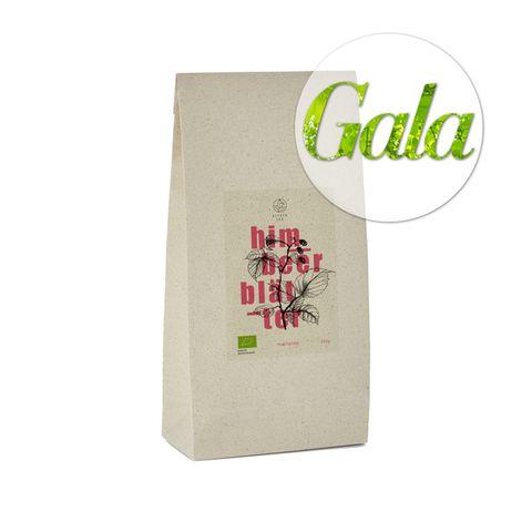 Das zertifizierte Bio-Tee von Alpaca Tea ist nicht nur lecker, sondern auch nachhaltig. Die Verpackung kommt komplett ohne Plastik aus und besteht aus Graspapier – inklusive Vorder- und Rücketikett. Auch auf das Zukleben wird verzichtet, da die Packungvon Hand mit einem Faden zugenäht wird. Es gibt fünf verschiedene Sorten, sie sindfür rund 10 Euro über Amazon oder alpacatea.de erhältlich.