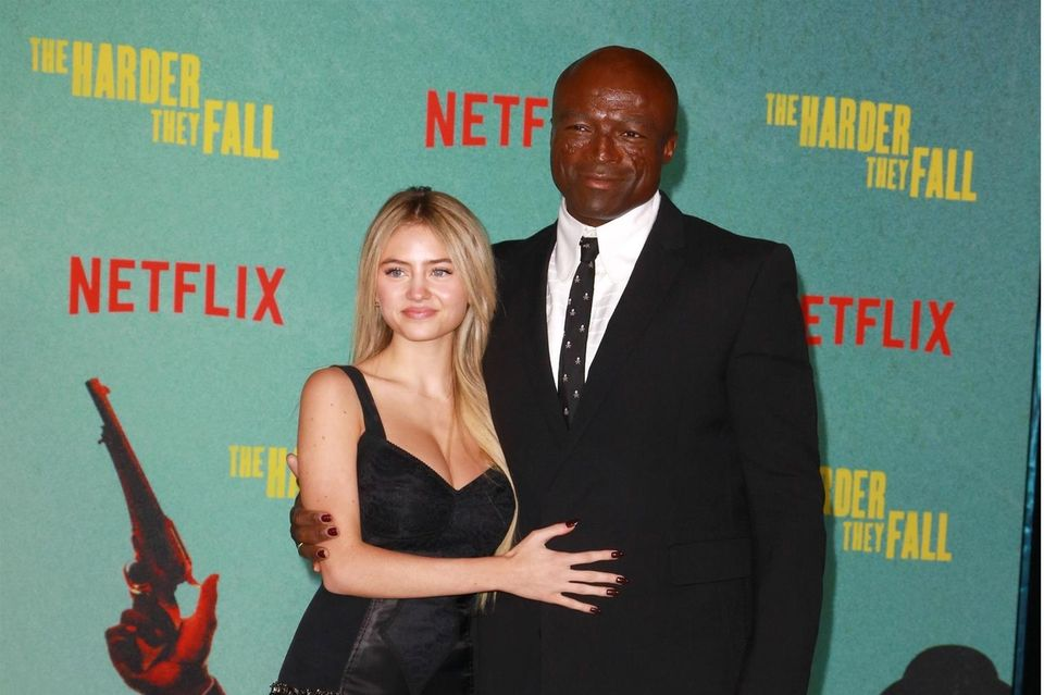 """Leni Klum an der Seite von Papa Seal bei der Filmpremiere von""""The Harder They Fall"""" am Mittwoch, 13. Oktober 2021, in Los Angeles"""