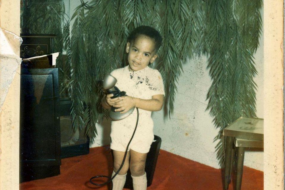 Jugendfotos der Stars: Lenny Kravitz postet Kindheitsfoto