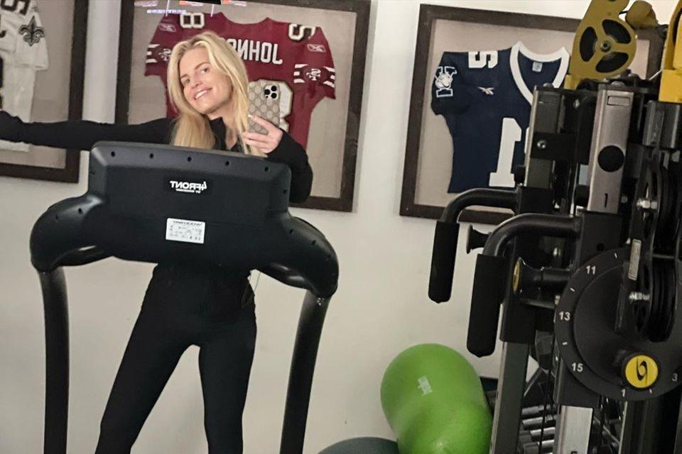 Sport: Jessica Simpson auf dem Laufband