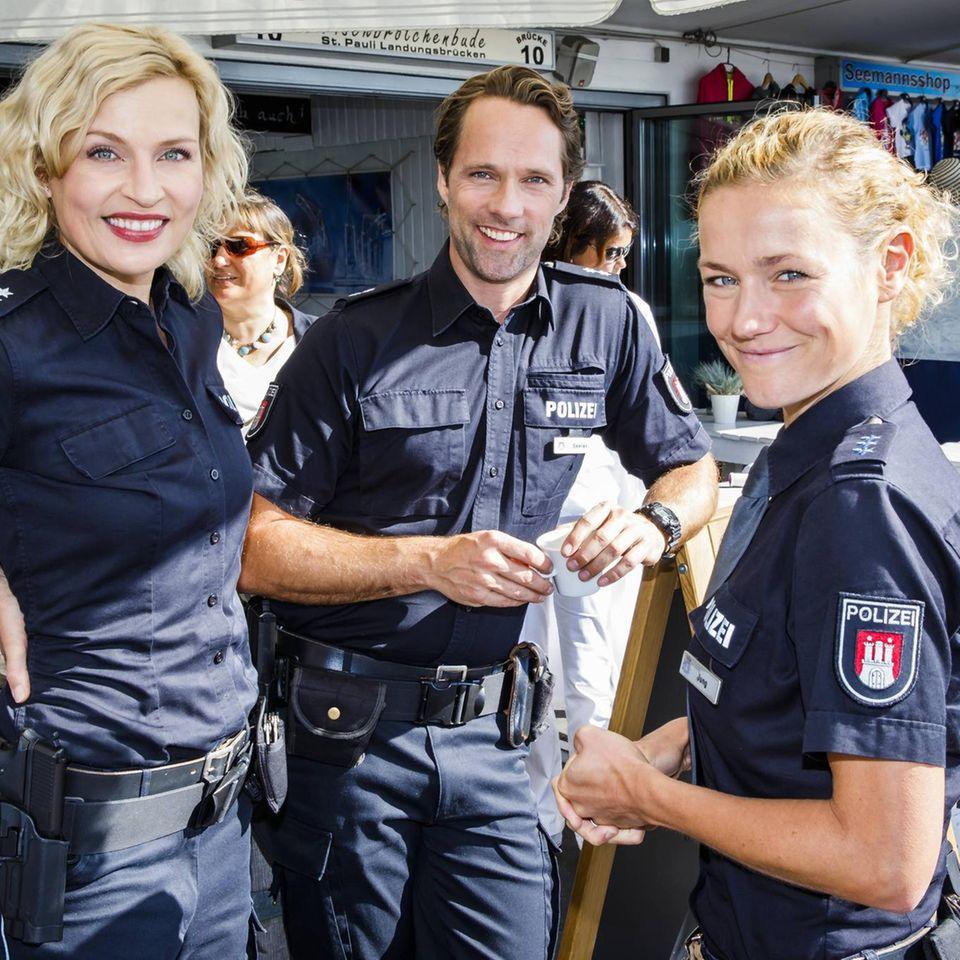 Rhea Harder (r.) mit ihren Schauspielkollegen Sanna Englund undMatthias Schloo.