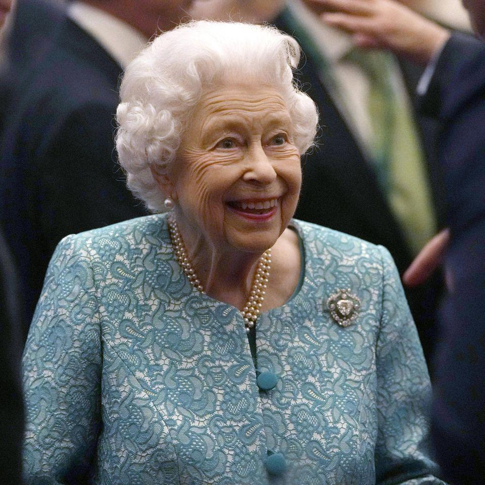 Windsor RTK: Queen Elizabeth beim Empfang auf Schloss Windsor