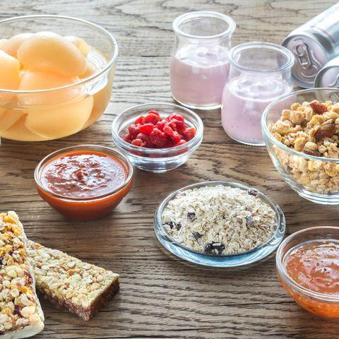 Versteckter Zucker: Diese 8 Lebensmittel sind heimliche Zuckerfallen | Obst, Saft, Müsli, Ketchup