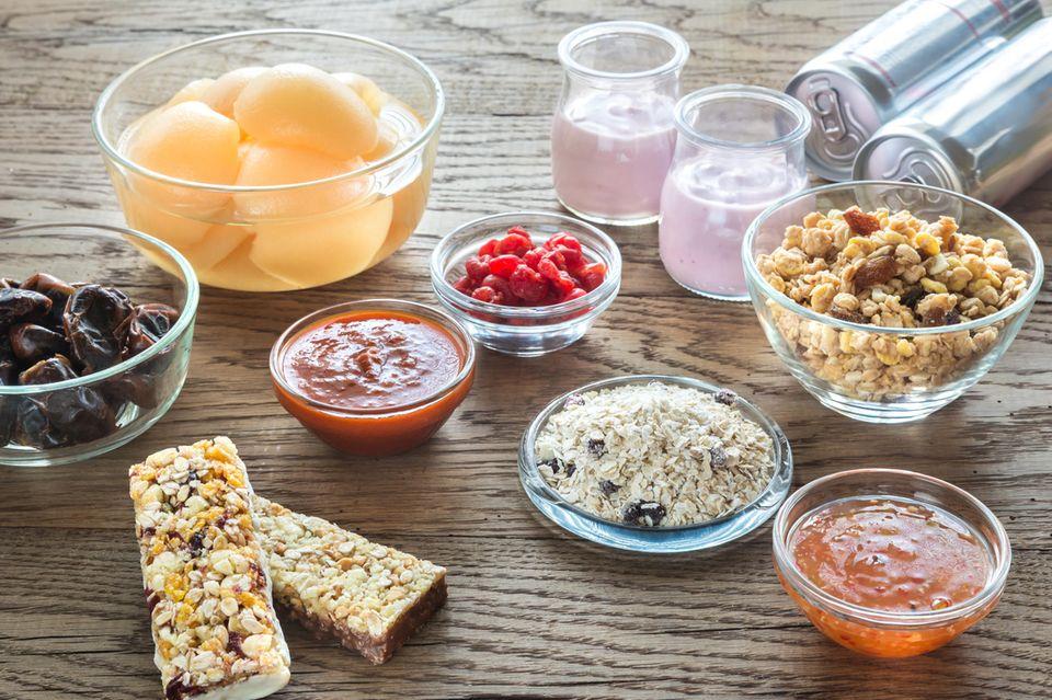Versteckter Zucker: Diese 8 Lebensmittel sind heimliche Zuckerfallen   Obst, Saft, Müsli, Ketchup