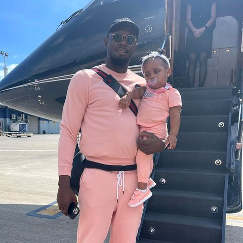 Usain Bolt zeigt sich mit Tochter Olympia im Partnerlook
