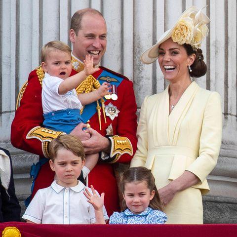 Bei der offiziellen Geburtstagsparade für die Queen