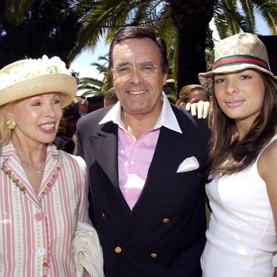 Ute-Henriette und Mario Ohoven mit Tochter Chiara Ohoven bei einem Event in Marbella im Jahr 2003