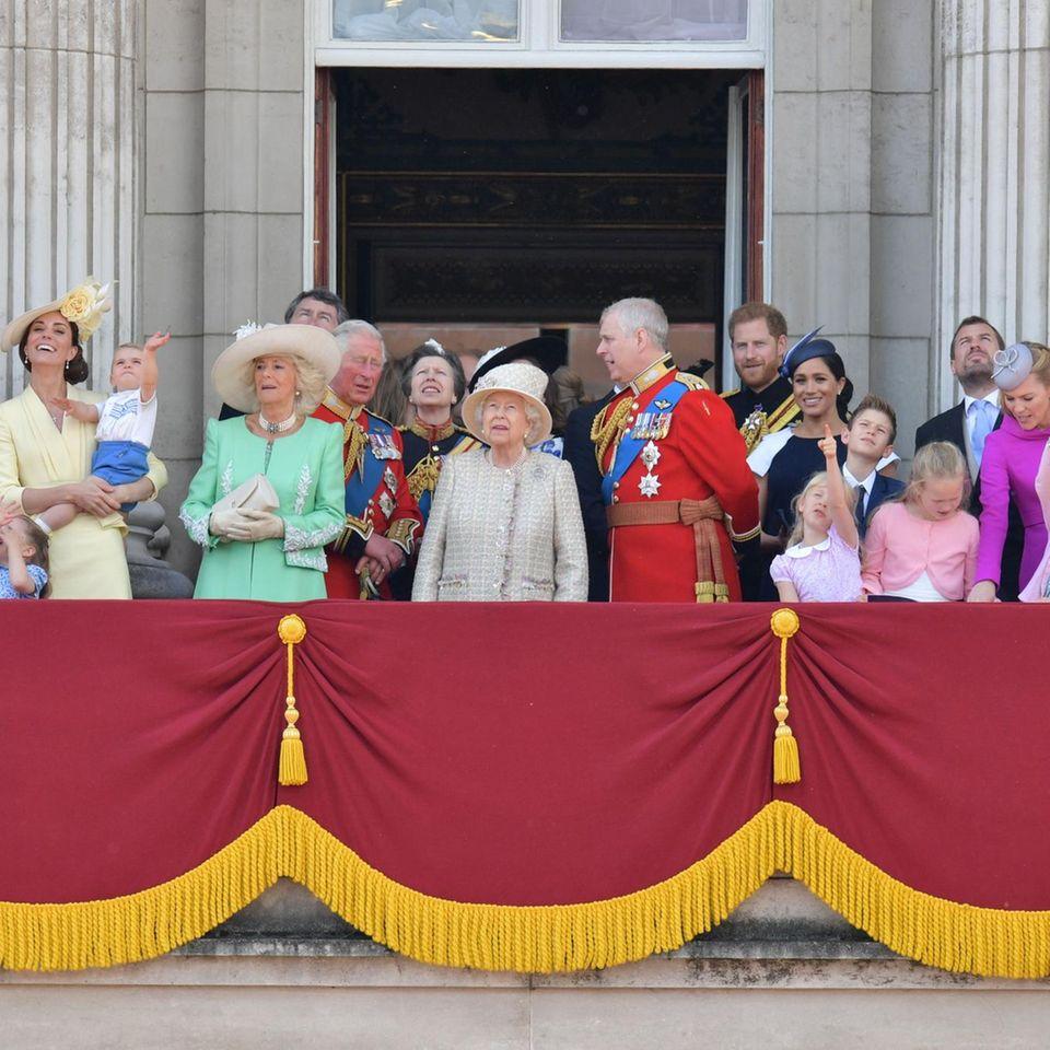 "Die royale Familie feiert ""Trooping the Colour""."