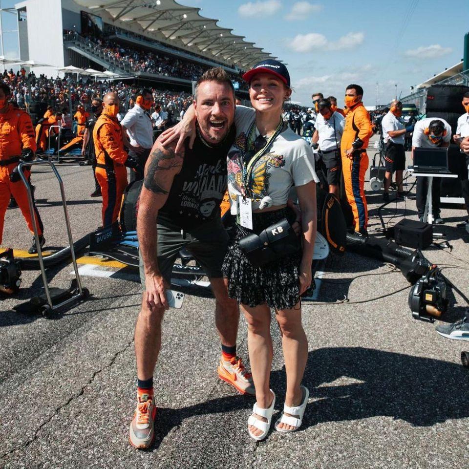 Kristen Bell und Dax Shepard besuchen das Formel-1-Rennen in Austin.