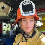 Gezwitscher 2021: Jenna Dewan in Feuerwehruniform